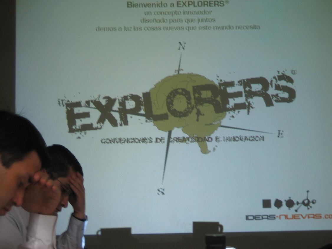 Frank Gamez Adentro y Afuera de la Caja Creatividad Innovación talleres programas conferencias creatividad innovación cambio catalización workshops cambio